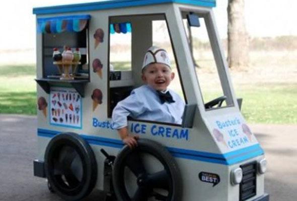 wheelchair-halloween-costume-ice-cream-truck