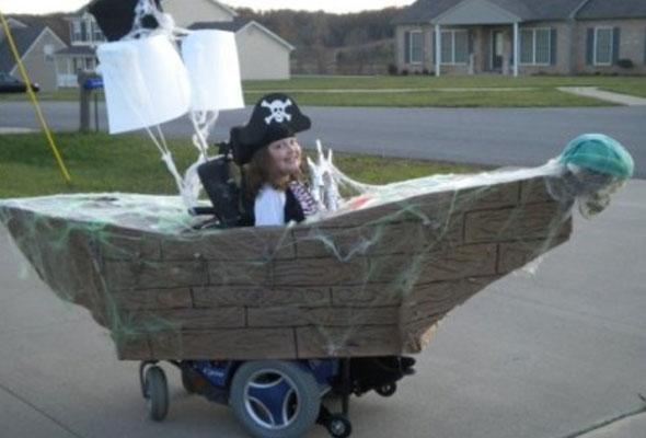 wheelchair-halloween-costume-pirate-princess