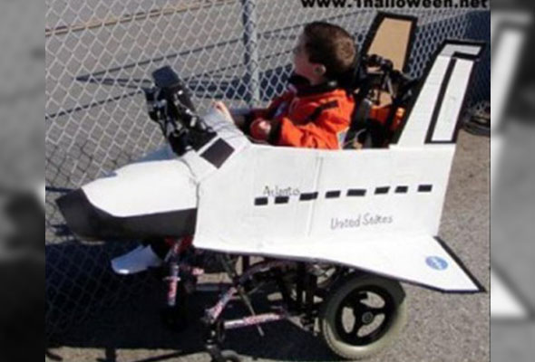 wheelchair-halloween-costume-space-shuttle