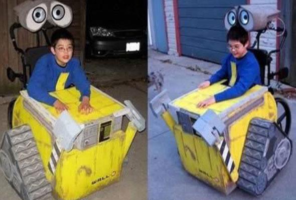 wheelchair-halloween-costume-wall-e